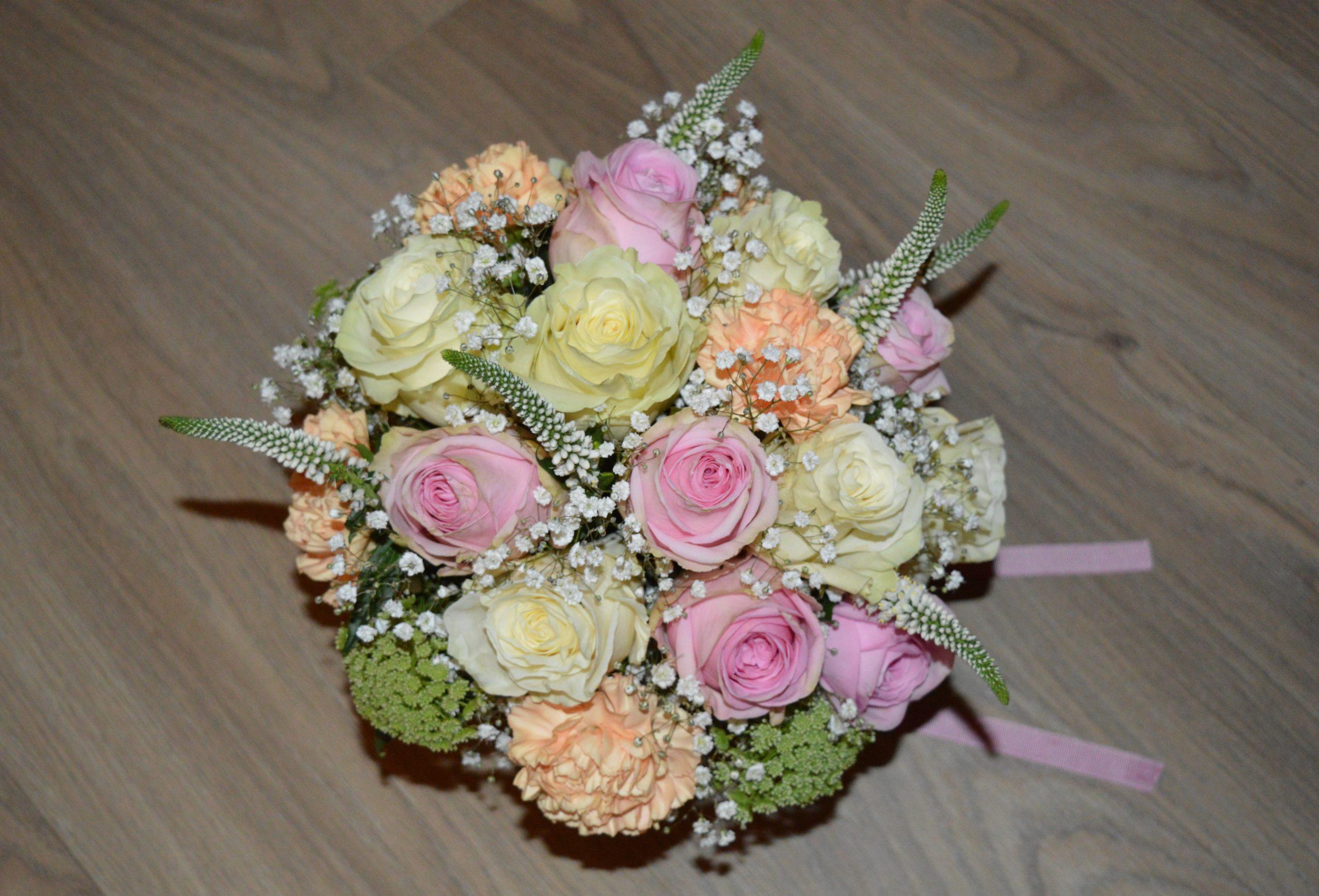 cours art floral saint chamond fleuriste fleur bouquet mariée mariage